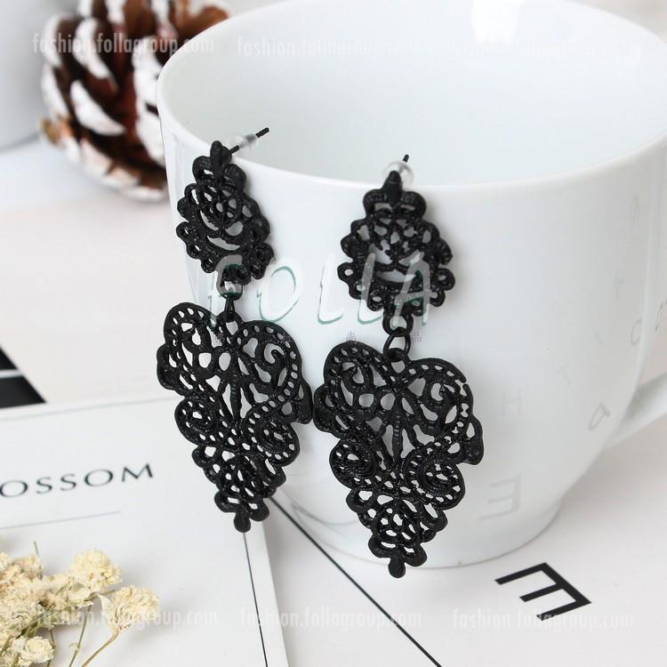 Vintage Dangling Earrings - Black